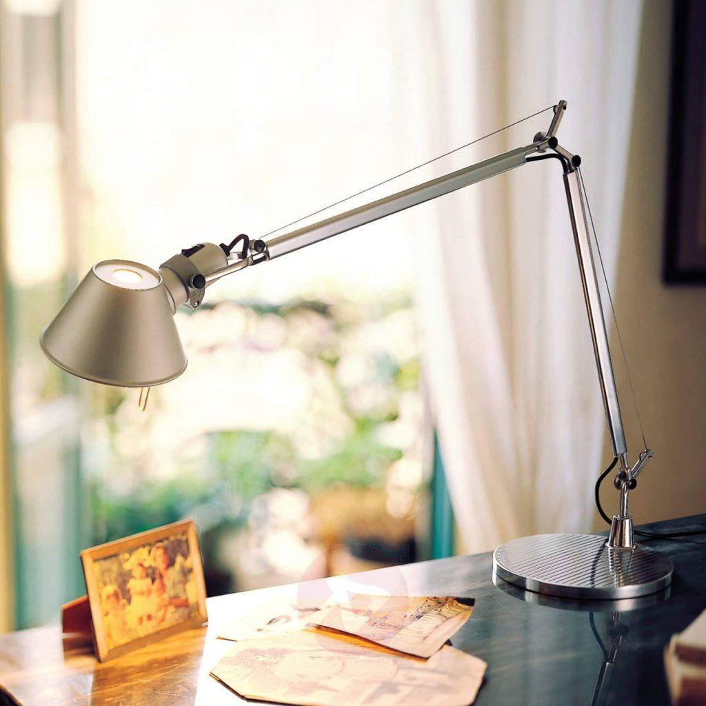 artemide tolomeo LED skrivebordslampe med lysdæmper